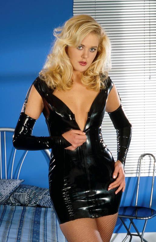 Photos femmes nues: Sarah la blonde salope