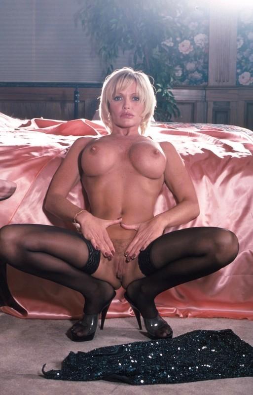 Femme mure nue