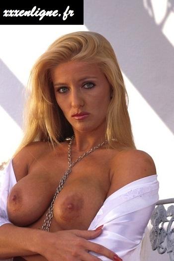 Les seins de Claude, la blonde salope